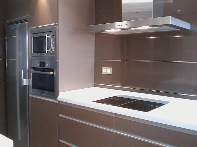 Rafael urbano cocinas estudio de cocinas for Cocinas hergom catalogo